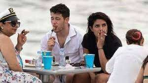 Priyanka Chopra's smoking picture goes viral, netizens ask 'where is your  asthma?'