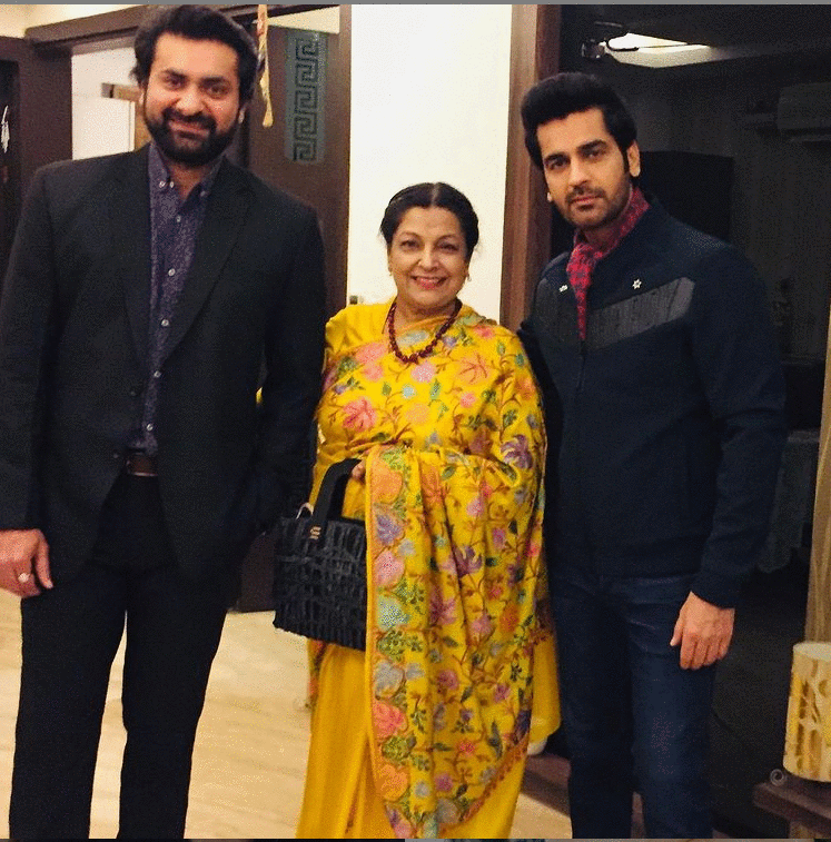 Arjan Bajwa with his mother & Brother